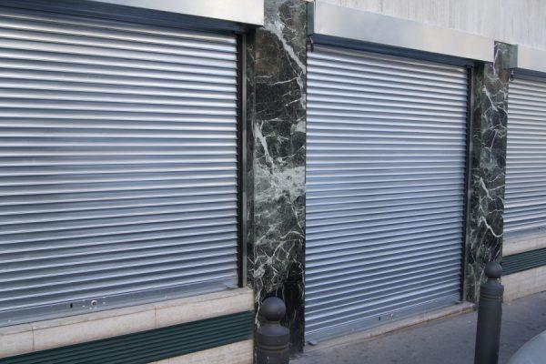 Pourquoi faire appel à un professionnel de dépannage rideaux métalliques Paris?