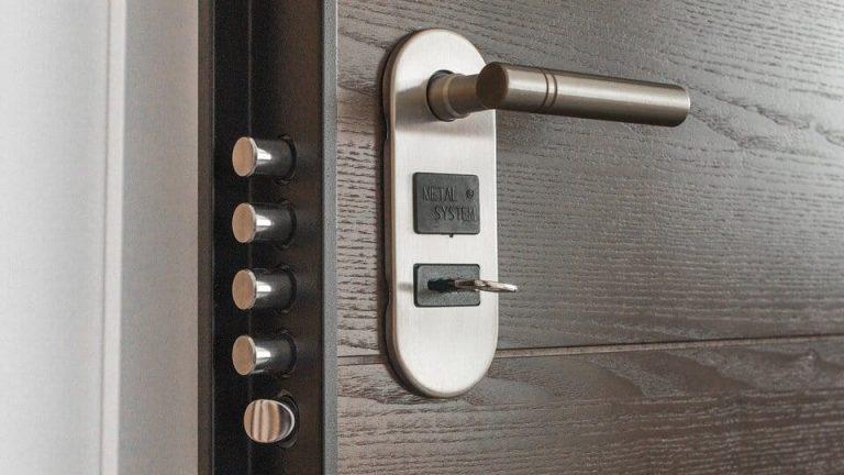 blinder la porte